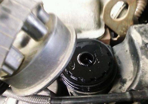 ставим топливный фильтр Форд Фокус 2