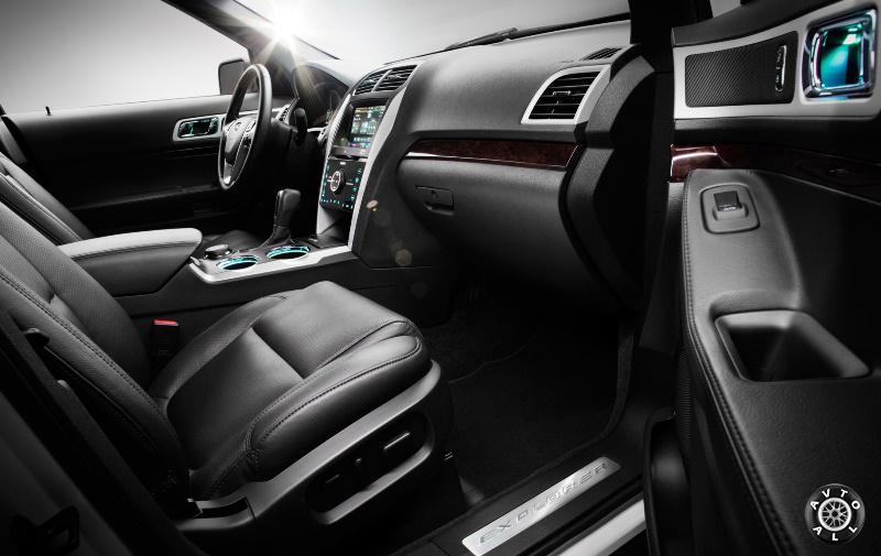 Ford Explorer 2014 салон автомобиля