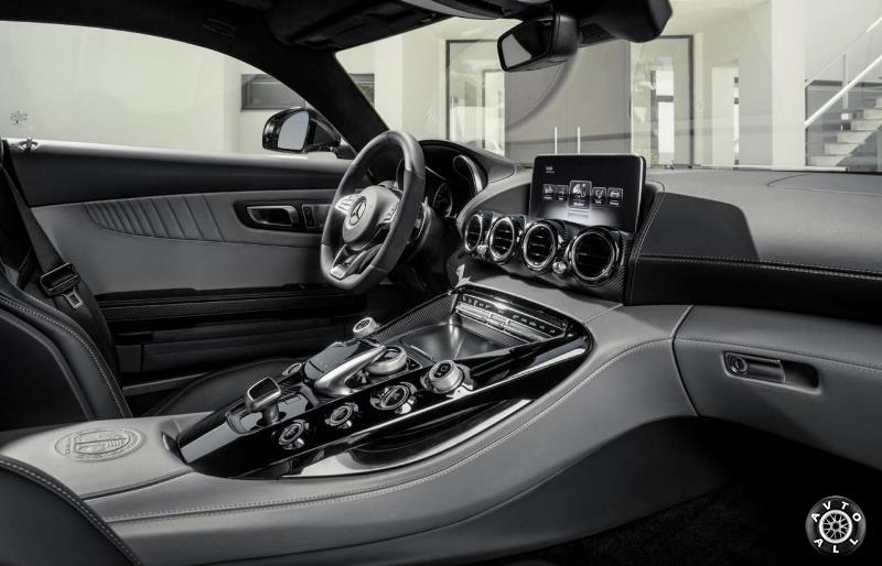 Фото салона Mercedes amg gt