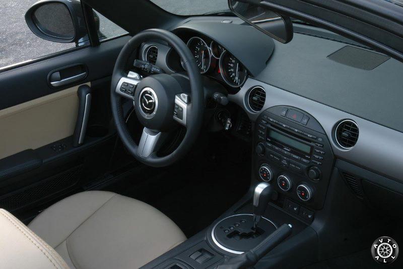 Mazda mx 5 салон