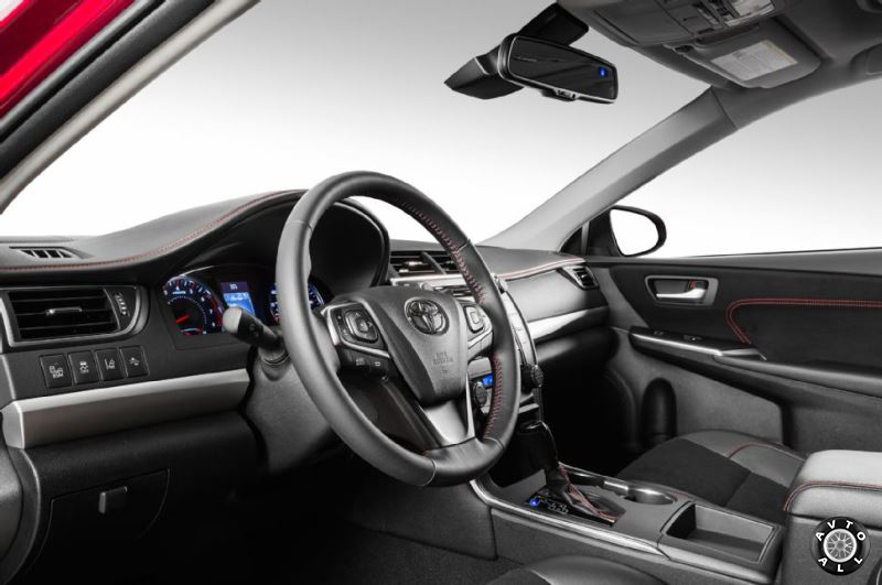 Toyota Camry 2015 фото интерьера
