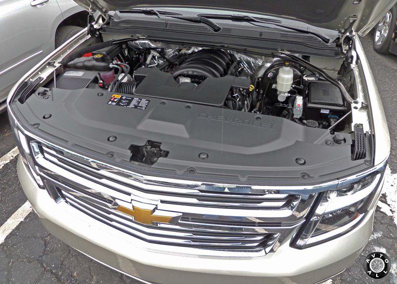 Двигатель Chevrolet Suburban 2014 фото