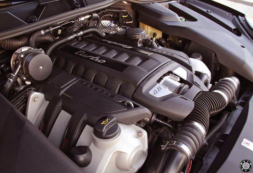 Porsche Cayenne 2015 Turbo engine