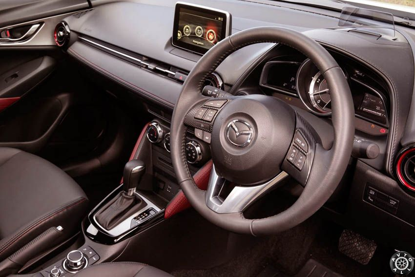Mazda CX-3 салон