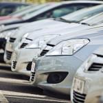 Почти треть российских автовладельцев решили не покупать авто до конца кризиса
