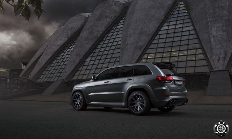 Jeep Grand Cherokee SRT-8 WK2 TYRANNOS