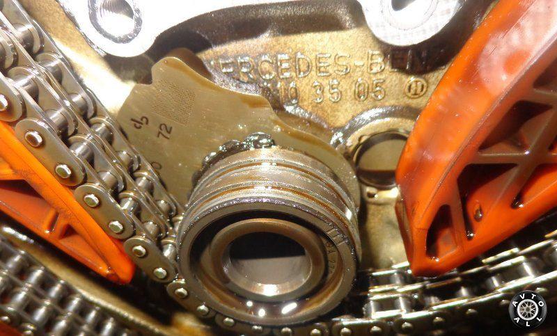 Цепь ГРМ двигателя автомобиля Мерседес