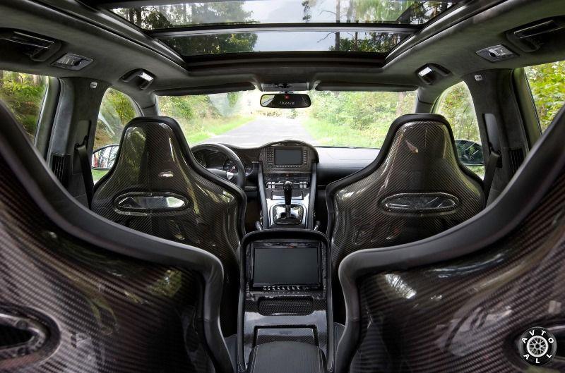 Тюнинг салона Porsche Cayenne от Rinspeed Chopster