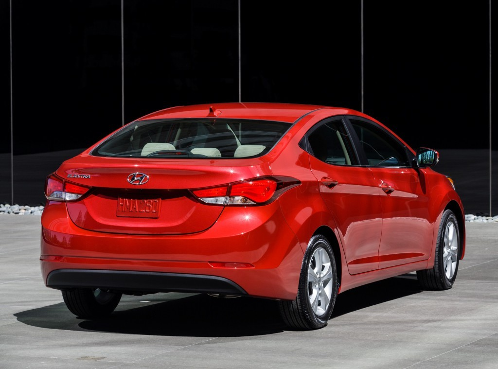 Hyundai Elantra подверглась рестайлингу