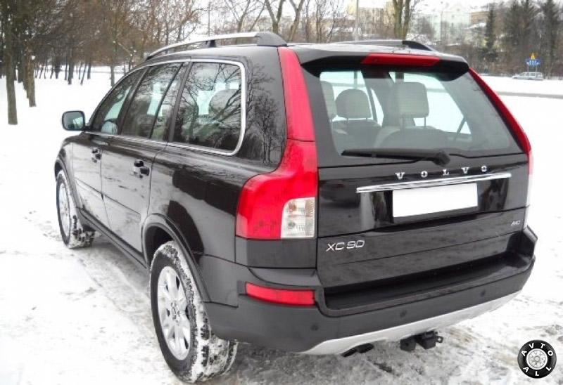 Подержанный автомобиль Volvo XC90 внешний вид