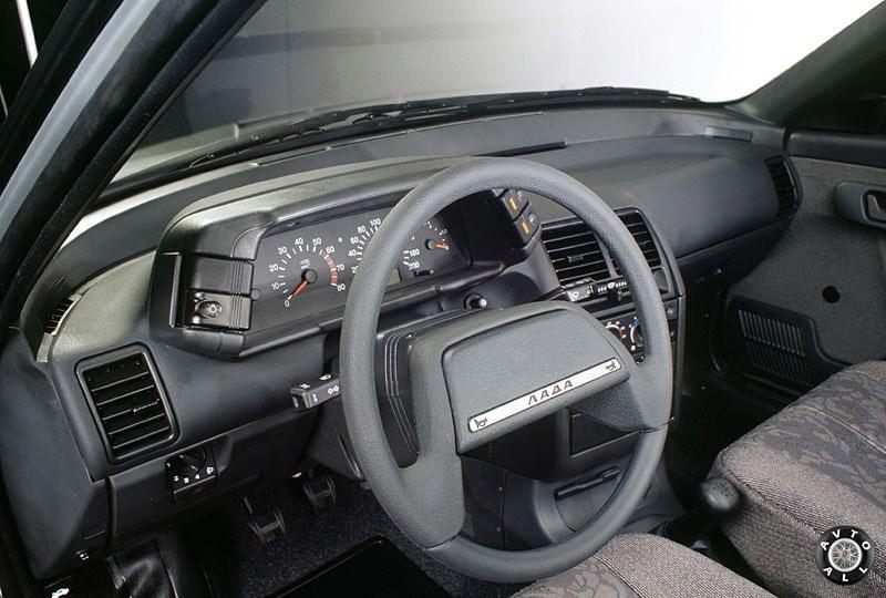 Внутренний дизайн автомобиля ВАЗ 2110