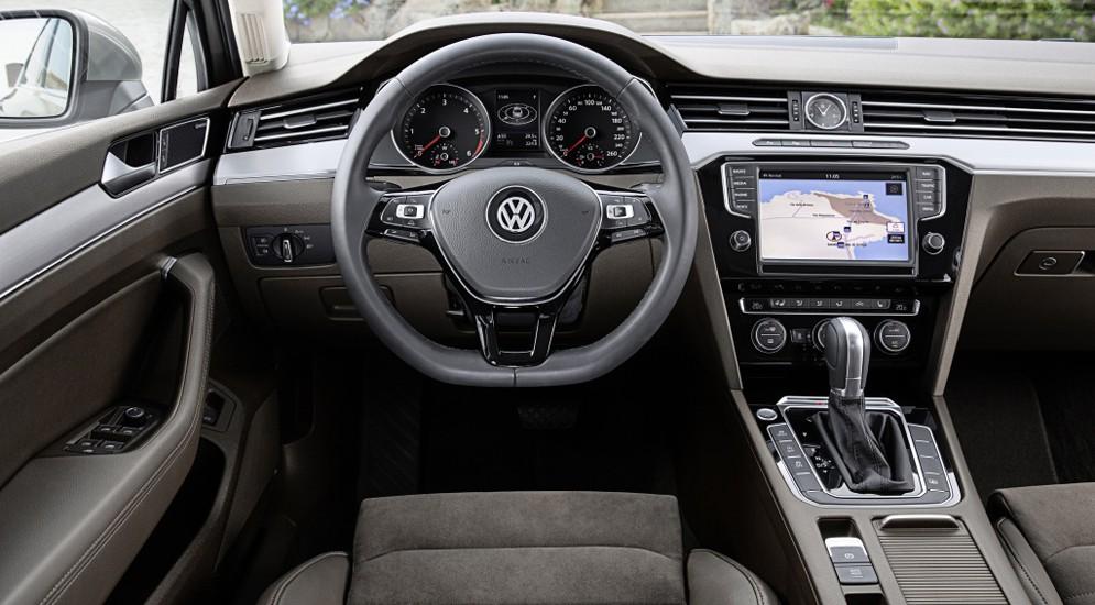 Заказы на новый Volkswagen Passat уже принимаются
