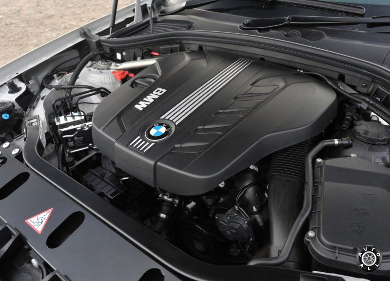 Дизельный мотор BMW X3 фото