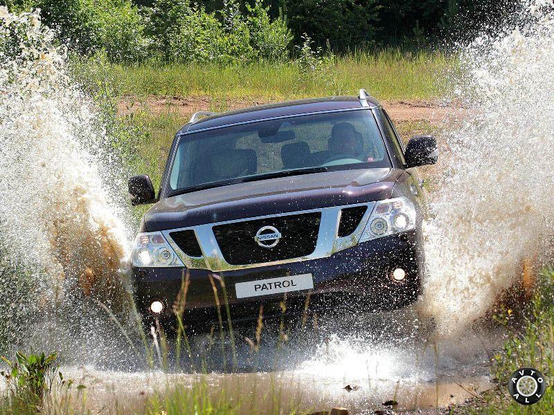 Nissan Patrol на бездорожье фото