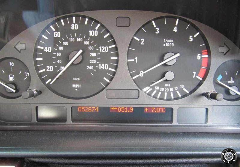 BMW 7 E38 приборная панель