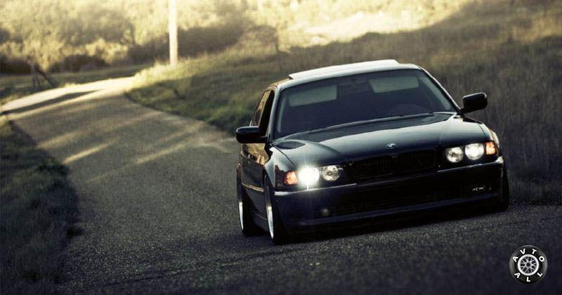 BMW 7 фото в движении