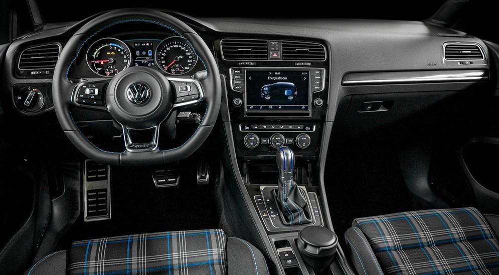 Немцы продемонстрируют новые электромобили Volkswagen Golf