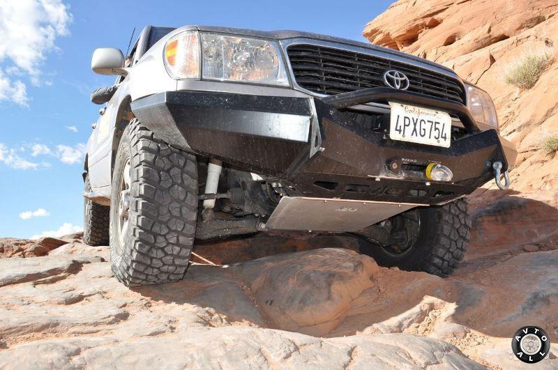 Toyota Land Cruiser 100 подвеска фото авто снизу