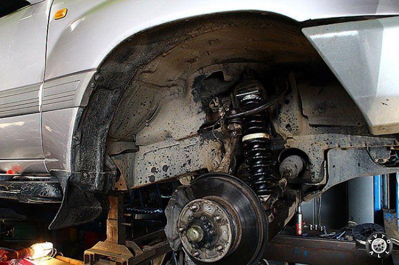 Toyota Land Cruiser 100 усиленная подвеска автомобиля