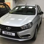 Дилеры Lada Vesta стали получать автомобиль в базовой комплектации