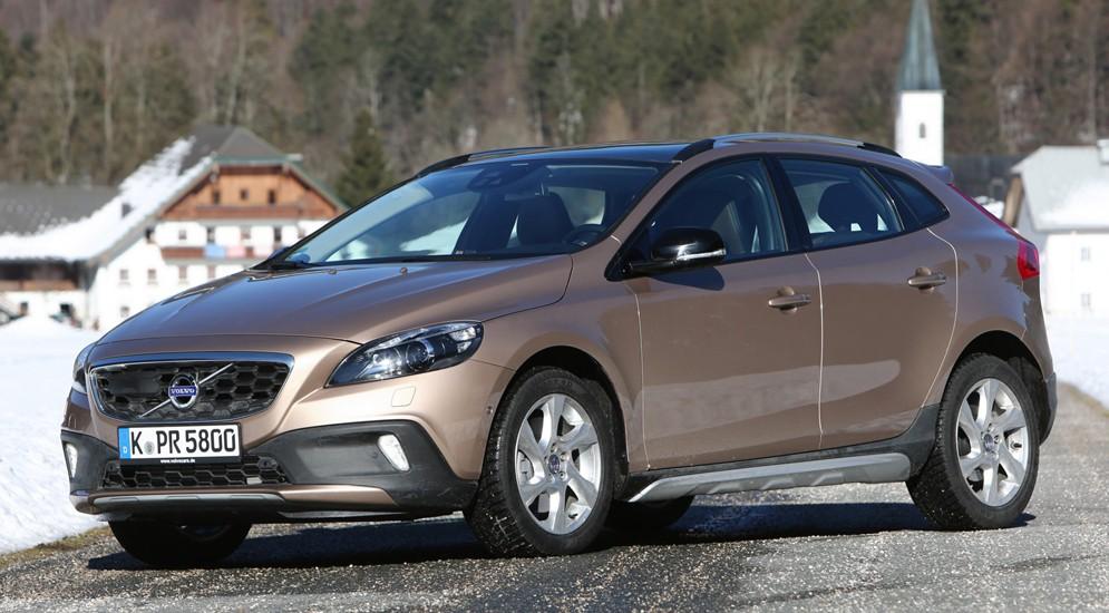 Шведы обновили компакт-хэтч Volvo V40