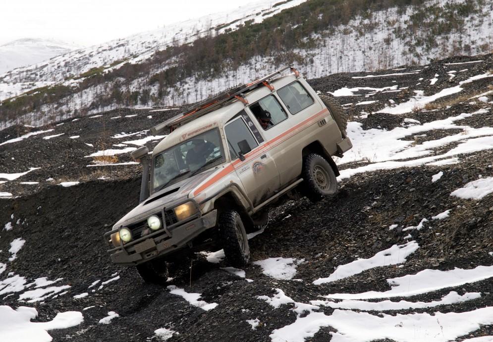 Японцы подумывают, а не начать ли продавать русским Toyota Land Cruiser 70?