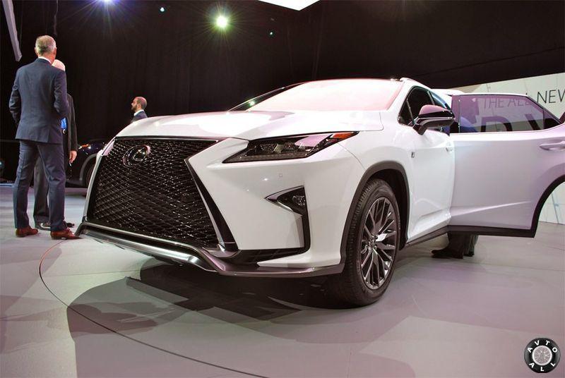 Lexus RX решетка радиатора