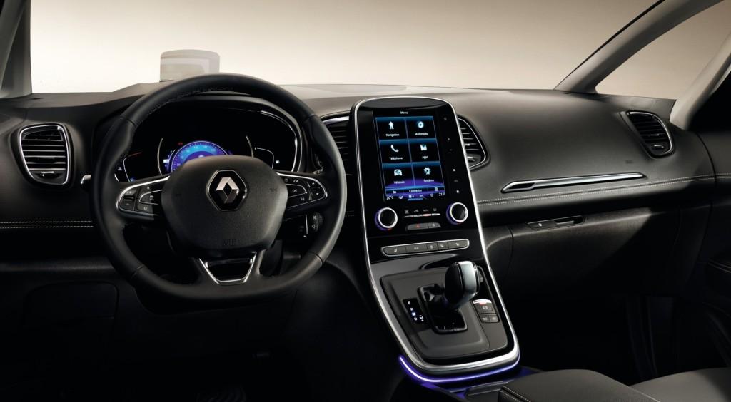 Французы провели презентацию нового Renault Grand Scenic