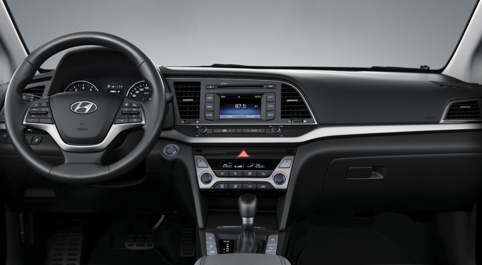 Корейский седан Hyundai Elantra 6 начали продавать в России сегодня