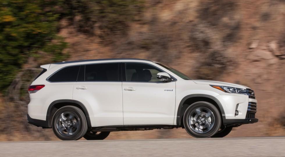 Японцы представили рестайлинговый Toyota Highlander для американского рынка