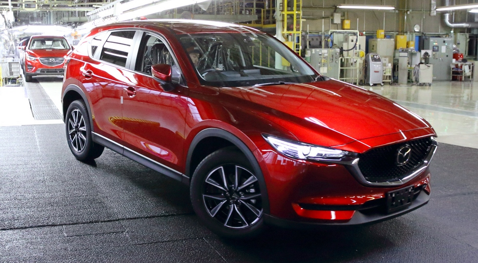 Японцы запустили в серийное производство новопоколенный кроссовер Mazda CX-5