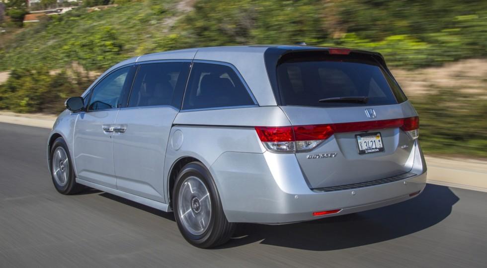 Скоро автолюбители получат рестайлинговый минивэн Honda Odyssey, правда, американские