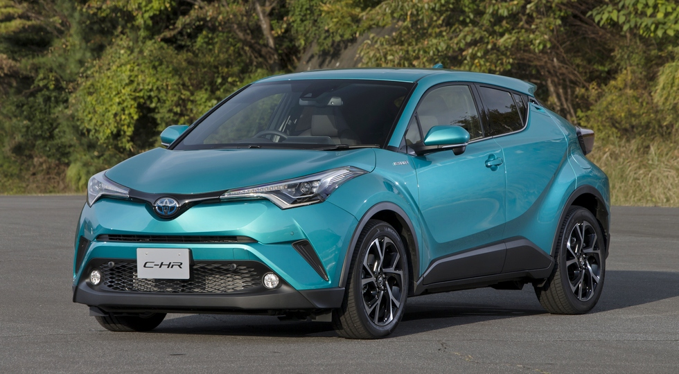 Новый компактный кроссовер Toyota C-HR начали выпускать для японского авторынка