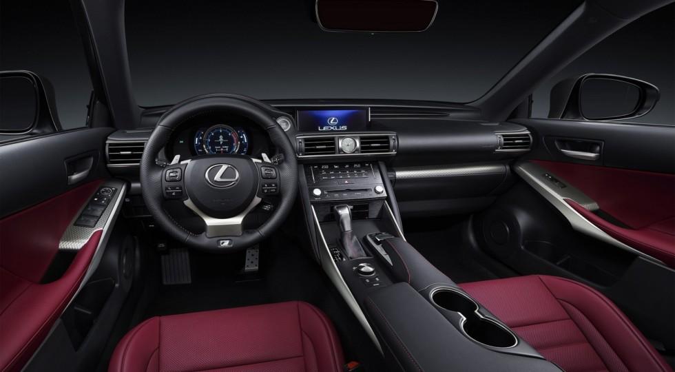 Британские подданные уже могут заказывать у своих дилеров рестайлинговый седан Lexus IS