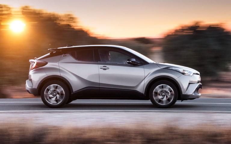 Тойота получила сертификат на российскую версию купеобразного кроссовера C-HR