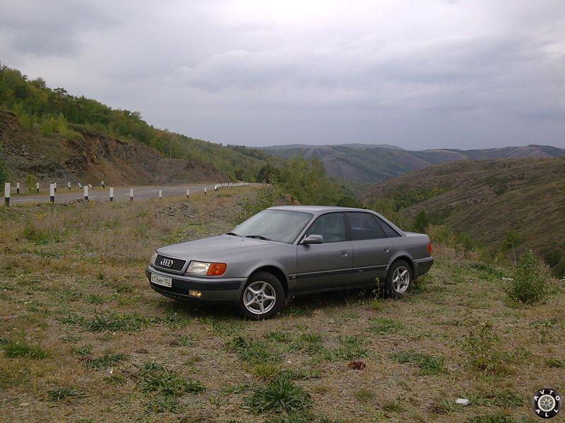 Audi 100 2,3 фото