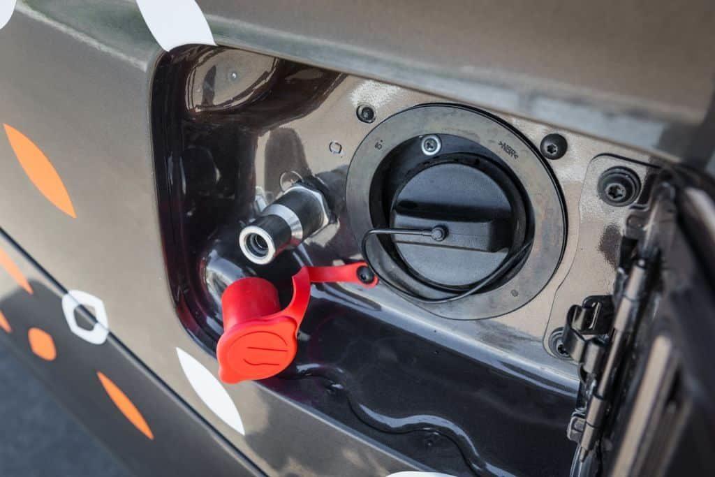 Газобензиновая Лада Веста смогла пройти тысячу километров на одной заправке