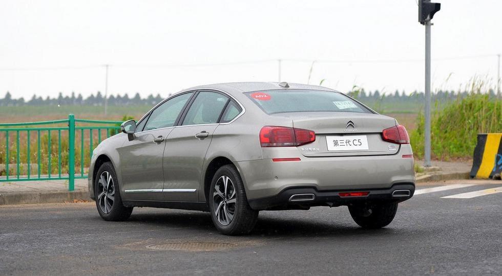Citroen начал продавать обновленный седан C5 в Поднебесной