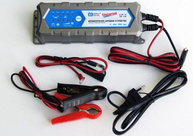 Автоматическое зарядное устройство для автомобильного аккумулятора