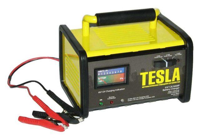Автомобильное зарядное устройство TESLA ЗУ – 40080