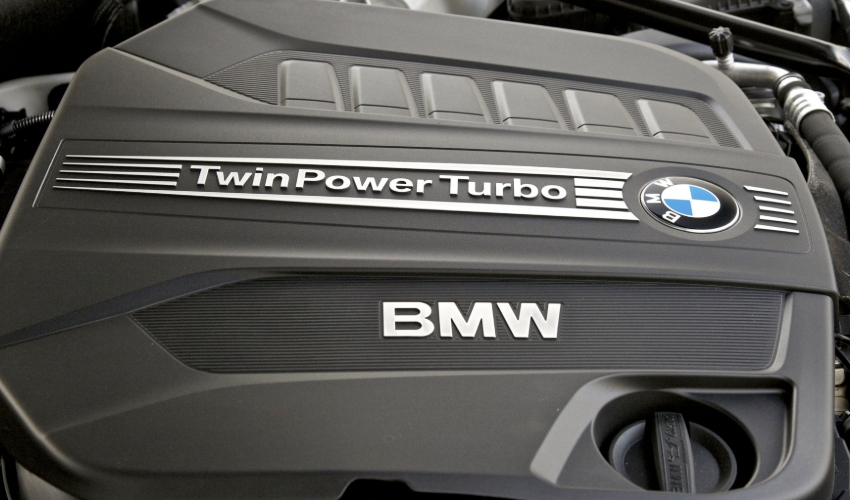 4,4-литровый мотор BMW Twin-Turbo V8