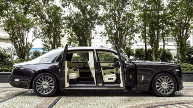 Rolls Royce Phantom vs Aurus Senat