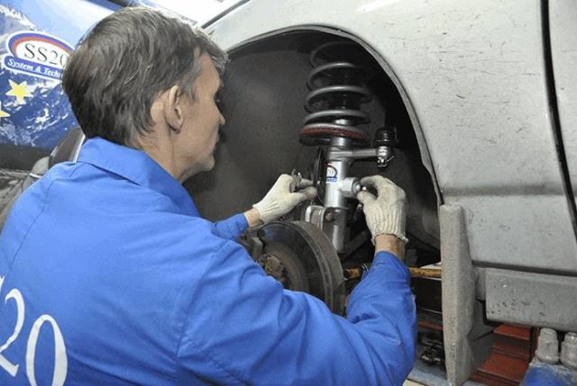 Как проверить амортизаторы на автомобиле самостоятельно