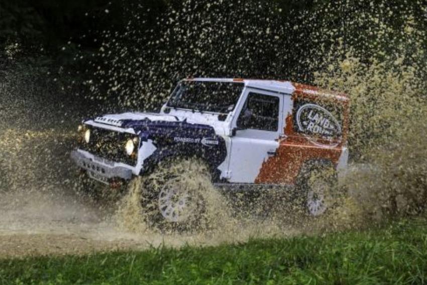 Ралийный Jaguar Land Rover