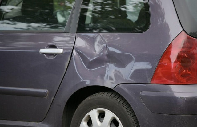 Как произвести кузовной ремонт автомобиля без покраски