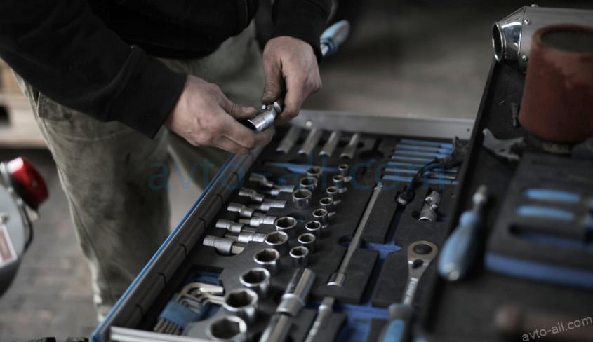 Самостоятельное техническое обслуживание Мерседес бенц (Mercedes-Benz)